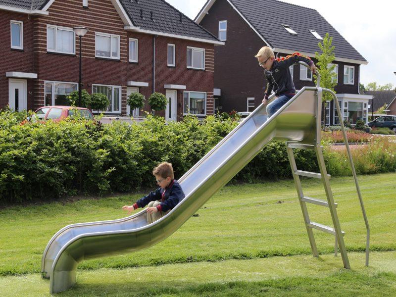 IJslander speeltoestel glijbaan
