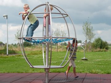 Speeltoestel IJslander Klimglobe draaibaar