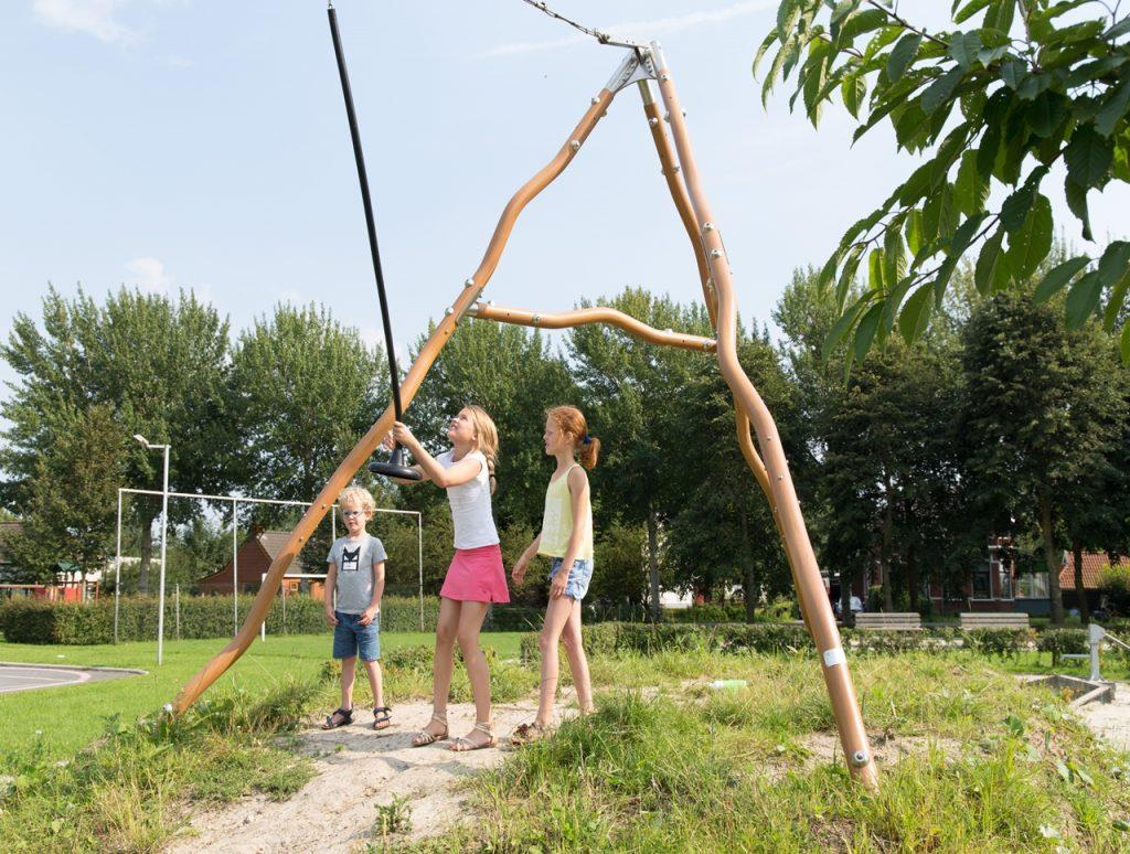 Kabelbaan, natuurlijk spelen, speeltoestel, natuurlijke uitstraling