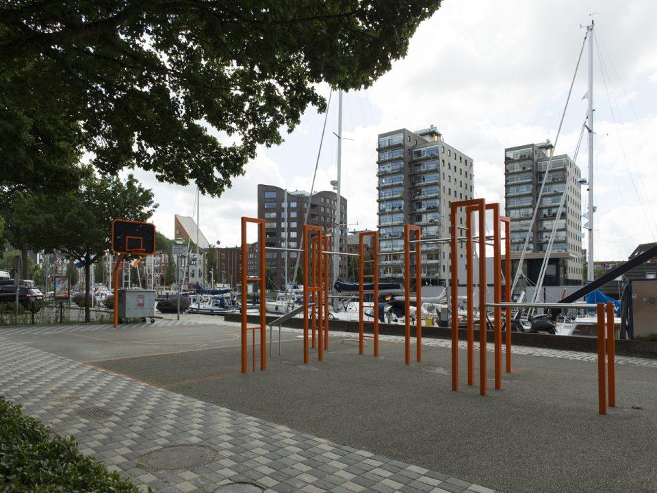 IJslander BarForz S veld beweegtoestellen voor Calisthenics en Bootcamp