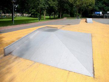 Pyramide 6.5×3.7×0.6 m