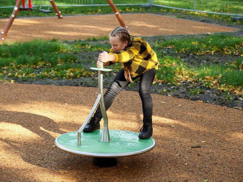 Click & Play Spriet draai spelend meisje