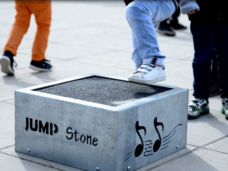 1571 Sound and Play stone